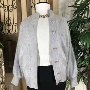 Imago light blouse sweater